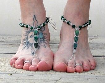Green serpentine triangle barefoot sandals, barefoot jewelry, beach foot jewelry, toe sandals, women beach shoes, hemp anklet, soleless shoe