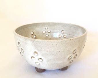 Stoneware Colander Berry Bowl