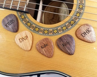 Personalized engraved wooden Guitar Picks,custom guitar plectrum, wood engraved guitar plectrum, musician gift, laser pick, stocking stuffer