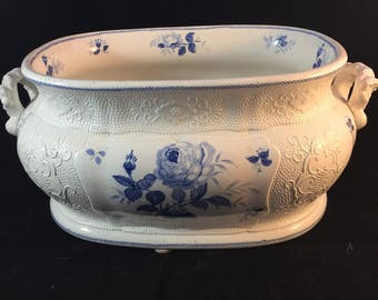 Antique English Foot Bath In The Berlin Rose Pattern
