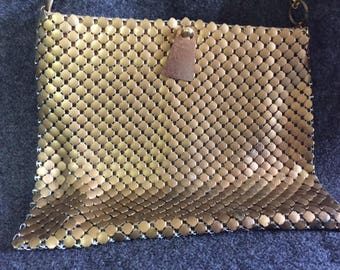 Gorgeous vintage Whiting and Davis evening bag