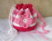 Little girl crochet bag, drawstring purse with flowers; pretend play, gift for Easter or birthday, pink white, fuschia, flat bottom, toys