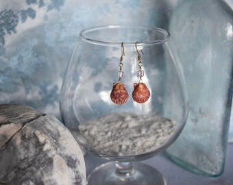 Miniature Red Pectin Scallop Shells with Iridescent Pink Glass Cube Beads
