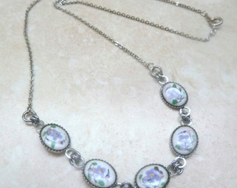 Vintage Hand Painted Violet Flower Necklace.