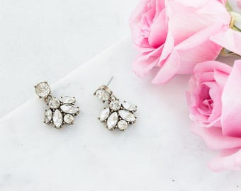 Bridesmaid Jewelry, Bridesmaid Earrings, Bridal Crystal Flower Drop Earrings, Statement Earrings, Bridesmaid Gift, Bridal Jewelry