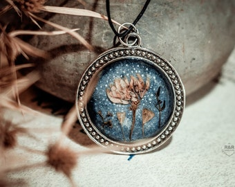 "Round pendant ""Mirrors in Winter"" with real flowers / Silver necklace / Real Flowers Necklace"