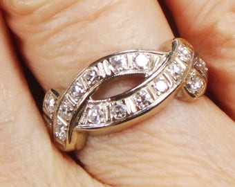 Vintage Diamond Ring 14k Gold White Gold Wedding Band Vintage Diamond Wedding Ring Vintage Diamond Ring Right Hand Ring Ribbon Design