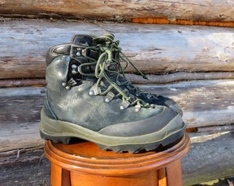 mountain man boots etsy. Black Bedroom Furniture Sets. Home Design Ideas