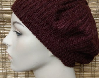 Crochet beret hat in Burgundy