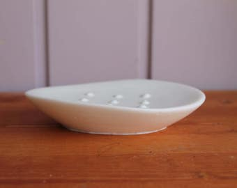 Soap Dish, Wave Soap Dish, Customized Soap Dish, Handmade soap dish, Custom Soap Dish, White Dish, Home Decor, House warming, Eco Freindly