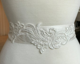 Ivory Corded Lace and Silk Dupion Sash, Wedding Dress Belt with Alencon Lace Appliqué, Vintage Style