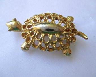 Vintage Tiny Turtle Gold tone Pin Brooch Openwork