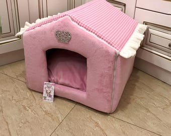 Pink house for princess dog Designer pet house with crown sparklings Princess dog bed Cat bed Custom made dog bed Puppy house S M dog