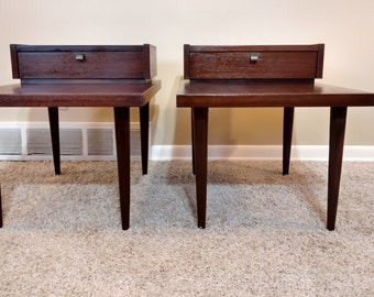 American of Martinsville Pair of End / Side Tables