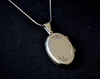 Locket, Sterling Silver Locket, engraved locket, 925 locket, oval locket, silver locket (P15)
