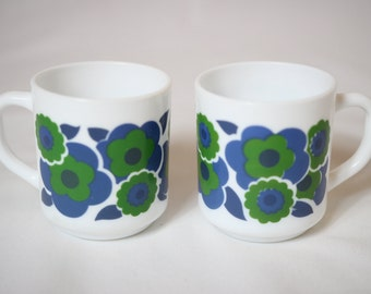 Arcopal mug with blue flowers, arcopal mug, vintage mug, vintage mug, lotus mug