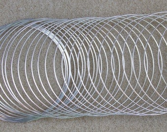 Memory Wire (Forty Continuous Loops) 0.6mm thickness x 55mm Diameter - Free UK Postage