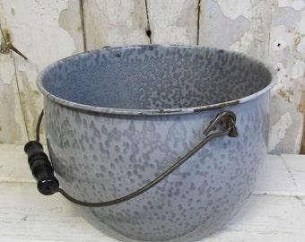 Vintage  Enamel Gray Agate Pot, Farmhouse Kitchen, Country Kitchen