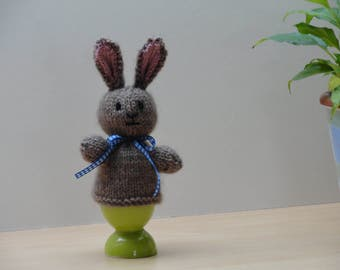 Easter bunny egg cosy - Brown rabbit egg cosy - Knitted rabbit egg cosy - Spring bunny egg cosy - Little brown bunny rabbit egg cover