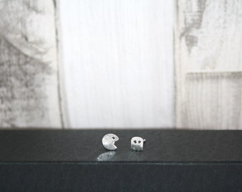 Pac-Man Stud Earrings / Silver Plated / Retro / Geek / Gaming / Nerdy / Jewellery  / Jewelry / Handmade / Gift Box / Gift idea