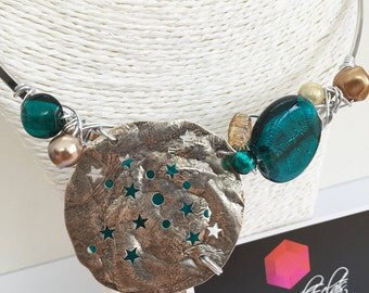 Round neck star and turquoise