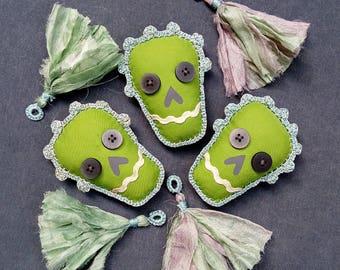 Skull decor / Sugar Skull garland / Boho home decor / Tassel Bunting The Day of the Dead / Halloween decor / Gypsy decor / Calavera