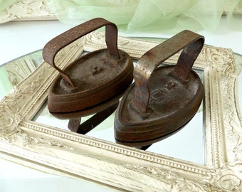 Vintage 1930's French Set of 2 Sad Irons, Old Flatirons, Number 5 & Emblem in Cast Iron, Vintage Clothing Irons, Collectible Home Décor
