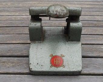 cast-iron punch RR Paris, vintage, industrial décor punch