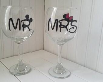 Mr. & Mrs.  Wine glass set