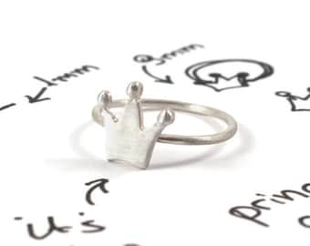 Crown ring, sterling silver crown ring, tiny crown everyday ring, small minimalist crown ring, princess crown simple ring, mini crown ring