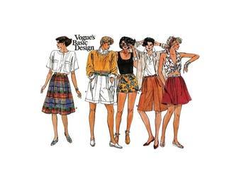 1980s Vintage Sewing Pattern - Vogue 1549 - Walking Shorts Gauchos UNCUT