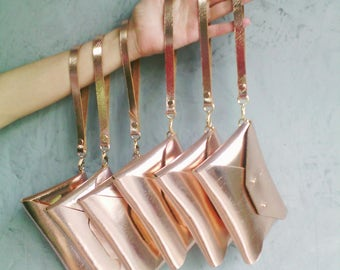 Set of rose gold bridesmaid leather pouches with wristlet / Leather envelope pouch / Rose gold clutch / Genuine leather / Bridesmaid gift
