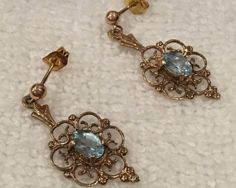 Exquisite Vintage Quality ENGLISH 9ct Gold & BLUE TOPAZ Drop and Dangle Earrings-Lovely Filigree Design-Hallmarked-Birmingham 1972-3cm Drop