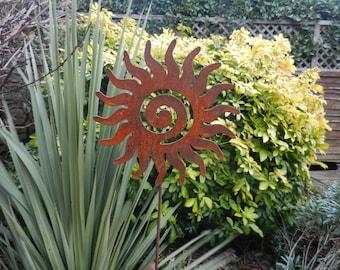 Rusty Sun on a Stake / Metal Sun Swirl / Garden Decor / Sun Garden Art / Rusty Metal Garden Art / Garden Gift / Sun Swirl Silhouette