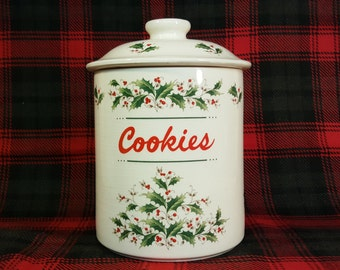 Vintage Cookie Jar Holly Yuletide Earthen Ware Japan Clean Sharp Coloring of Holly with Berries