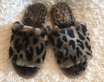 Real wool slippers,Womens fur slippers,Fluffy slippers,Fur organic,Leopard slippers,Handmade slippers,Real Fur.