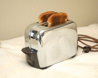Vintage Toastmaster Toaster/ Antique Chrome Toaster