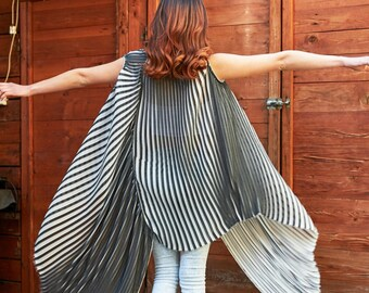 Black And White Top, Stripe Tunic, Avant Garde Clothing, Summer Tunic, Extravagant Tunic Top, Plus Size Maxi Top, Party Tunic, Fashion Top