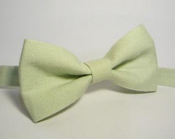 Light green Linen bow tie for wedding, for groomsmen, boy's, toddler's, baby's, men's linen bow tie