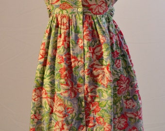 Laura Ashley style dress. 1980s floral with large collar button up front and POCKETS