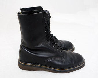 Vintage Dr. Martens 10-eye Leather Boots -- Size 9 Made In England