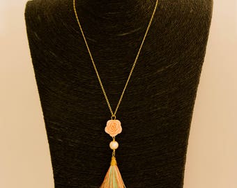 Multicolored tassel necklace, pink resin color pink, Pearl River