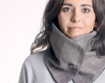Grey scarf with one button, woman cowl, infinity scarf, chunky scarf, woman gift ideas, fleece scarf, neck warmer, accessory