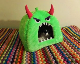 Monster Pet Bed, Cave / Igloo, Cat / Small Dog