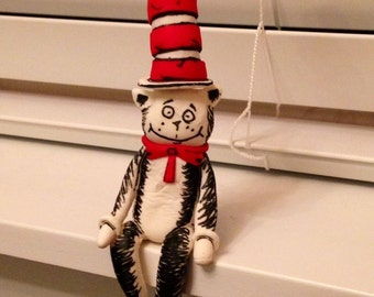 Cat in the Hat and Thing 1 and Thing 2 Gum Paste Toppers