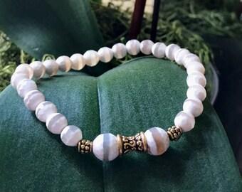Tibetan Mystical Dzi Agate Yoga Mala Beaded Bracelet. Protection Amulet Mala. Meditation Mala. Wrist Mala.