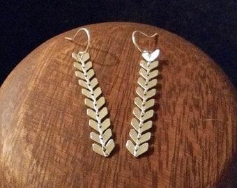 Arrow Strand Earrings - Silver or Gold