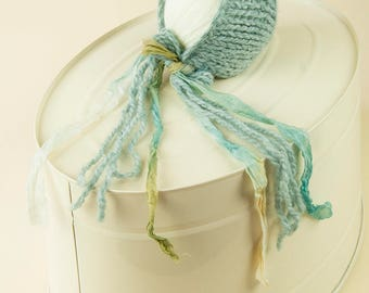 SALE, 25% off, Newborn bonnet in sea green chunky knit. RTS, photography prop, 1 available, accessories.