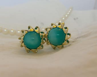 Vintage Gold Tone Screw Back Earrings with Teal Moonglow Lucite Beads, Aqua Blue Moonglow Earrings