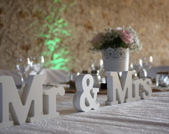 Table decoration wedding, letters Mr & Mrs, panels marriage, wedding, gifts